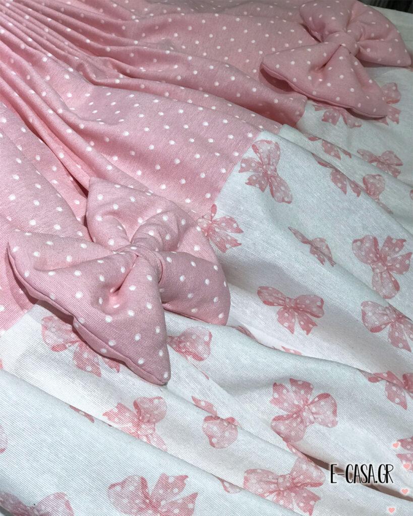 Έτοιμη κουρτίνα με ροζ πουά φάσα και φιογκάκια