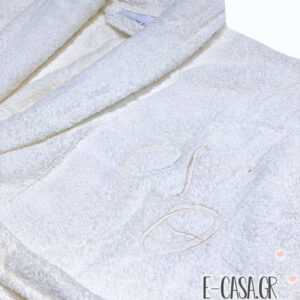 Δώρο Γάμου εκρού μπουρνούζια με κεντημένα μονογράμματα