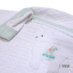 Πικέ κουβέρτα κούνιας λευκή με απλικέ Λάμα