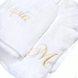 Δώρο Γάμου λευκά μπουρνούζια με ασορτί πετσέτες προσώπου